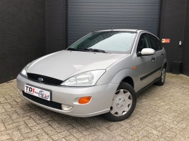 FORD FOCUS 1.6 SE 1ER MAIN CLIM